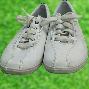 EUC Keds size 8.5 white shoes